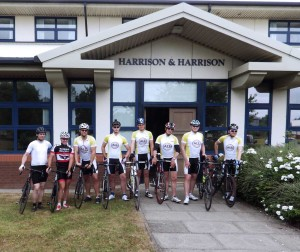 RFH - Cyclists ready for departure (1)