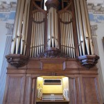 The organ completed