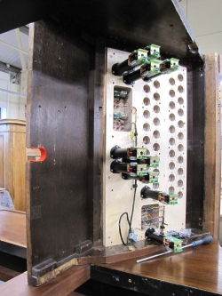 fitting drawstop solenoids to screen console